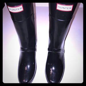 HUNTER - Kellan black wedge boots